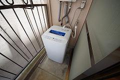 406号ベランダ洗濯機